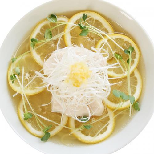 塩レモンの酸っぱウマい塩ラーメン