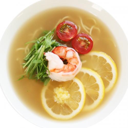 鰹ダシと塩レモンの冷たい塩ラーメン